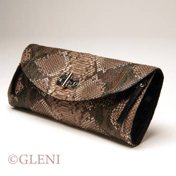 Pochette in pitone marrone