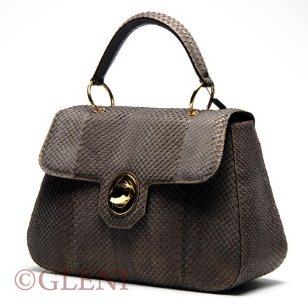 Chic anaconda bag with twist-lock fastening and golden details