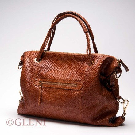 Practical genuine anaconda leather bag having a linear and soft style